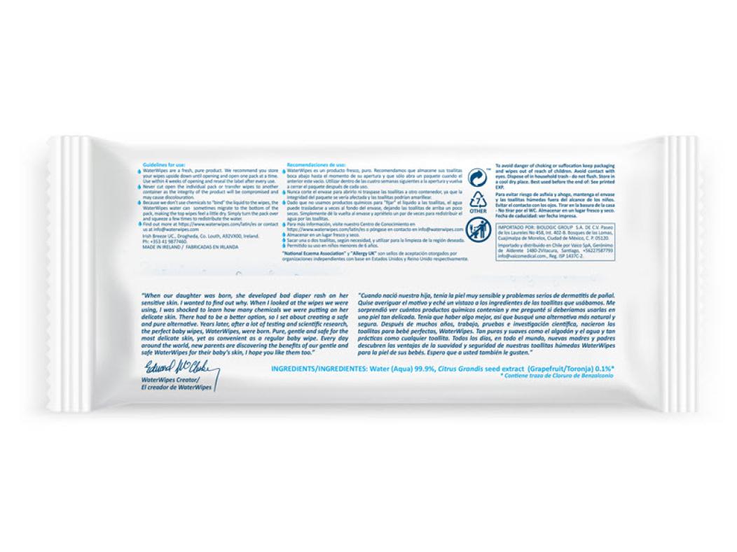 La lista de ingredientes incluidos en la parte posterior de un paquete de WaterWipes incluyen 99.9% de aqua de alta pureza y una gota de extracto de fruta.